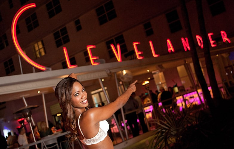 Model photographer Laurens Antoine - The Clevelander